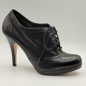 Aldo black leather Oxford ankle booties Size 8.5